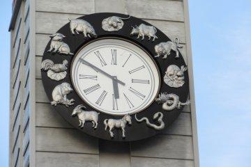 Часы на городской башне
