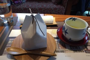 ขนมกับน้ำชา