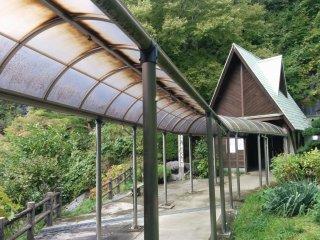 The modest entrance to Abukuma-do