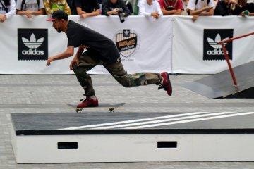 Rodrigo TX skating past