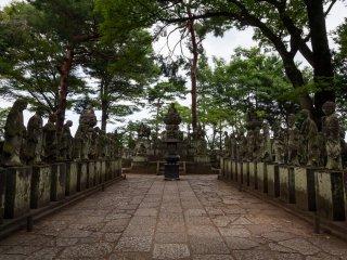 540 Buddha statues at Kitain Temple