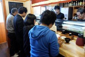 Обычный суши-ресторан