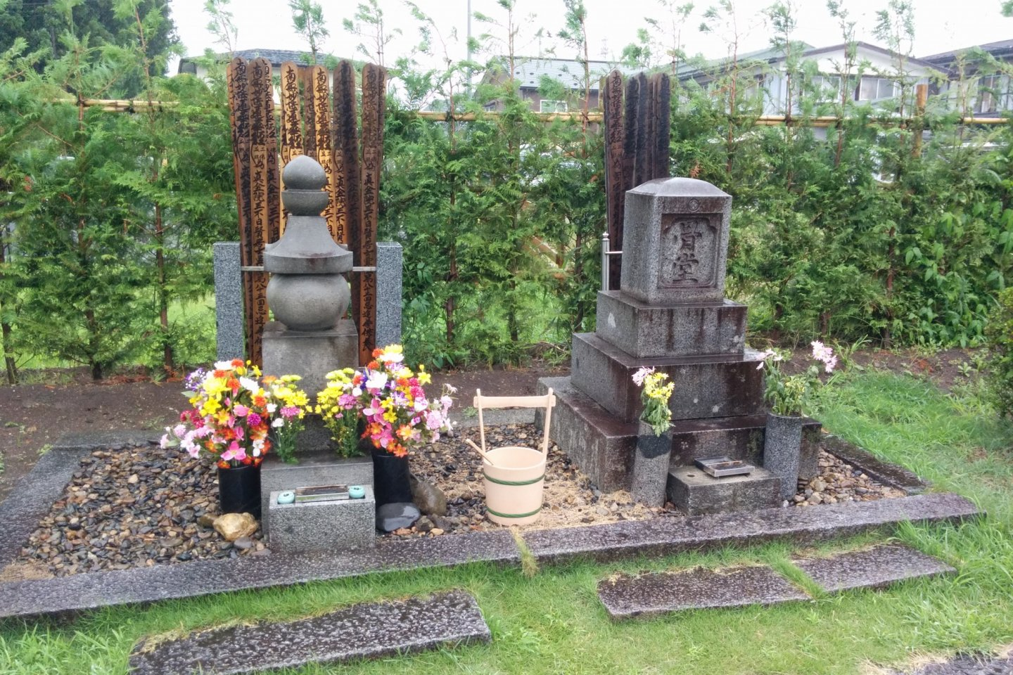 Miyazawa\'s grave on the left, his family\'s on the right