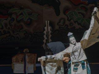 五穀豊穣や天下泰平を祈る人形浄瑠璃を奉納