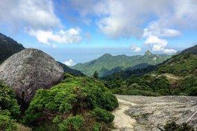 ภูเขามิยะโนะอุระในยะคุชิมะ