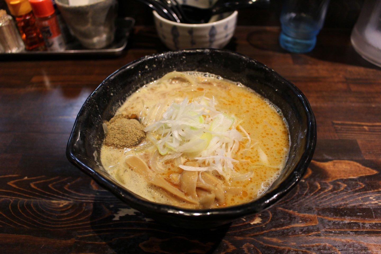 Tonkotsu gyokai white miso ramen