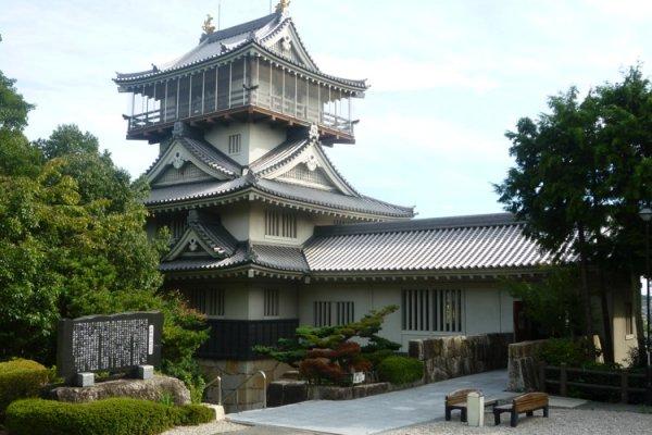 Iwasaki Castle