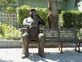 Nhạc sĩ chơi Saxophone