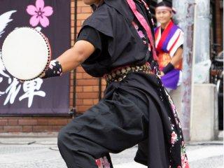 Eisa biểu diễn trong các lễ hội mùa hè