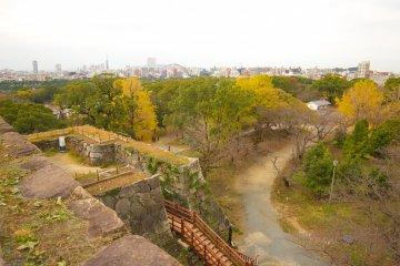 Природные пейзажи, открывающиеся с руин