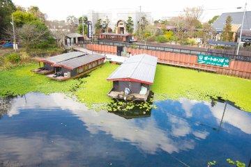 ร้านอาหารน่านั่งในทะเลสาบ