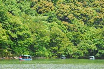Sightseeing on the Hijikawa River in Ozu