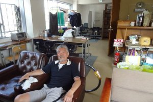 Oto-san, always a smile on his face and eager to help the clients
