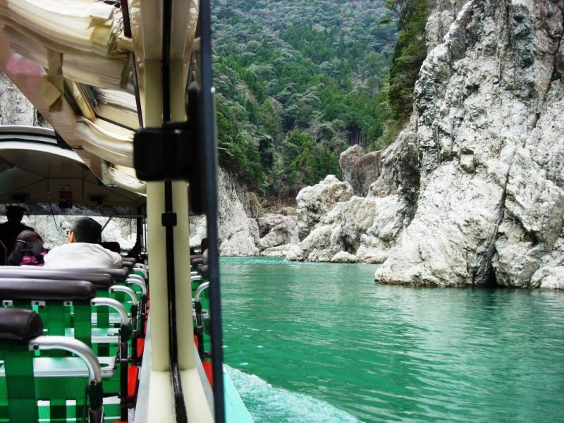 Sit back and relax on a Doro Gorge hovercraft tour