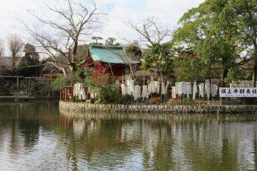 Pond at Tsuroka Hachimangu Shrine