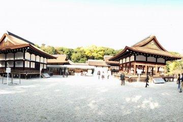 ศาลเจ้า Shimogamo แห่งเกียวโต