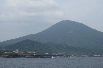 วิวภูเขาฮาชิโจจิที่สวยงาม