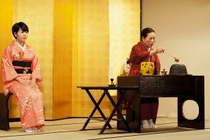 """Tea ceremony: in """"ryurei"""" style"""