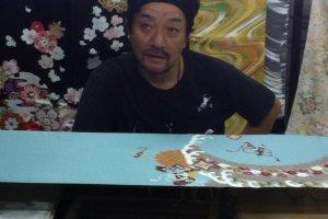 kimono yuzen artisan at work