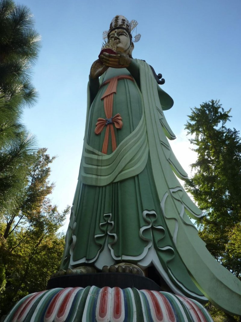 Giant 15 metre tall statue of Kannon, the Goddess of mercy, at the Kosanji Temple