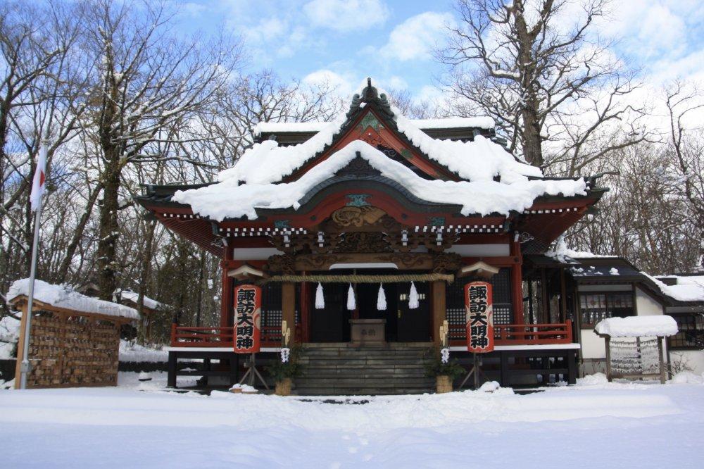 Sanctuaire Yamanaka Suwa sous la neige.