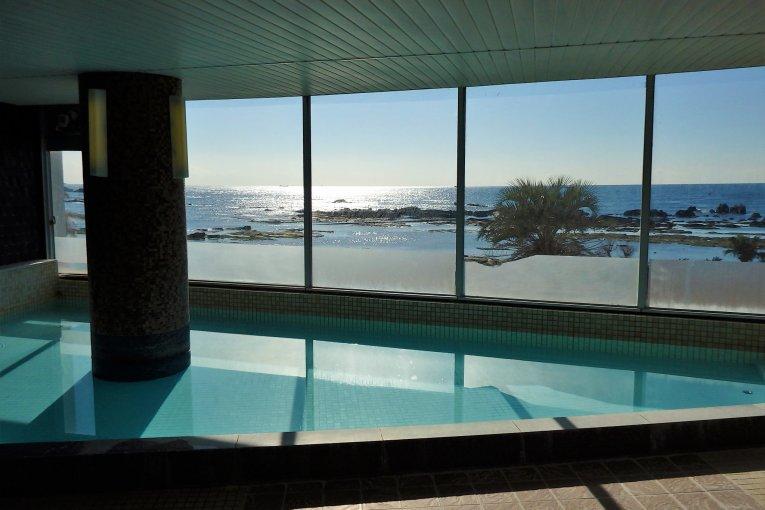 Chiba's 'Resort in Shirahama'