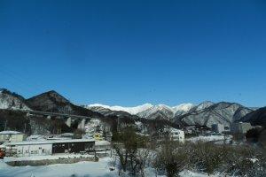 雪を頂く群馬の山々