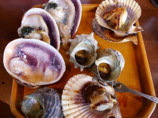 A full platter of shellfish