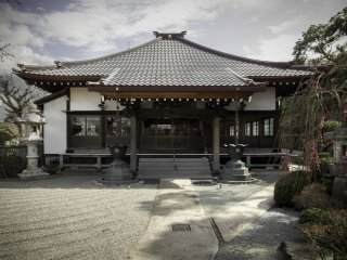 The main building: although originally founded in the 15th century, Joenji has been reconstructed several times and had to be rebuilt after the great Kanto Earthquake of 1923