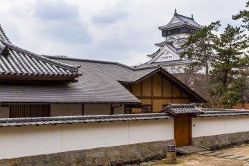 Kokura Castle Japanese Garden and the castle's main keep