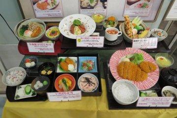 Витрина с искусственной едой в ресторане, Aurora Mall, Йокохама