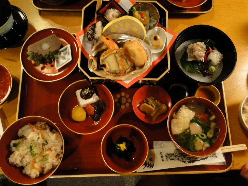 The lunch offered at Honmaru Goten Palace Restaurant