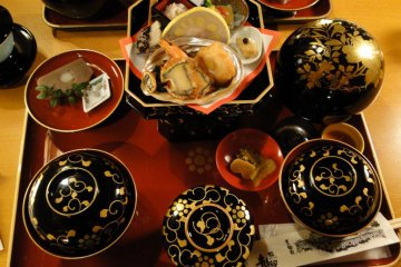 The beautiful lacquerware used by the restaurant