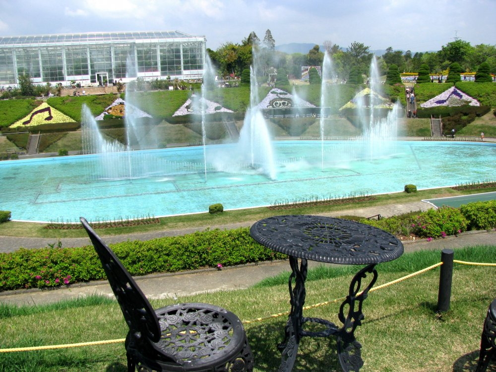 "The musical fountain in front of the ""Crystal Palace"""