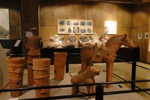 Глиняные статуи в историческом м