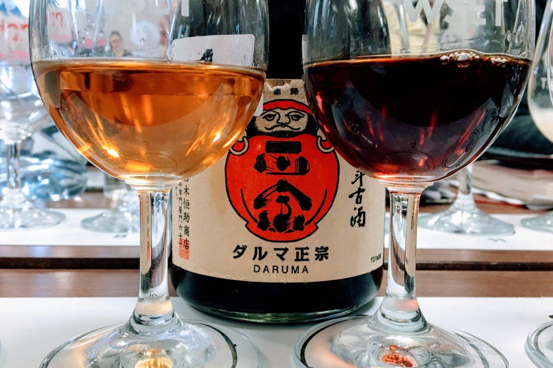 Hai loại rượu koshu với tuổi rượu khác nhau