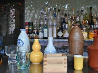 Memilih wadah Anda adalah salah bagian dari menikmati sake!