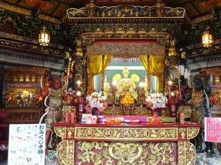 วัดมะโซะเบียว เป็นวัดที่ประดิษฐานของเทพเจ้าแห่งท้องทะเลของชาวจีน 'มะซุ' หรือ ม่าโจ้ว หรือที่คนไทยรู้จักในนาม 'เจ้าแม่ทับทิม'