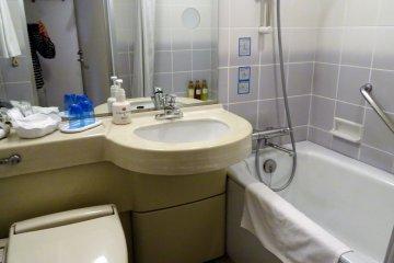 ห้องน้ำ มีสิ่งอำนวยความสะดวกครบครัน