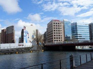 อาคารต่างๆ ริมแม่น้ำโอะโอะคะกะวะ (Ookagawa)