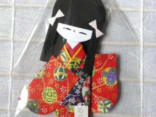 Paper doll with temari print
