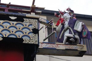 Fall Festival Float Marionette Show in Takayama
