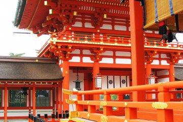 Главное здание Фусими Инари Тайся