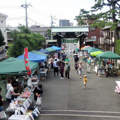 Ikegami Honmonji Temple Market