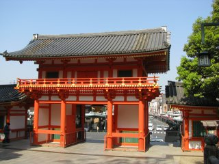 Pintu masuk kuil dari dalam