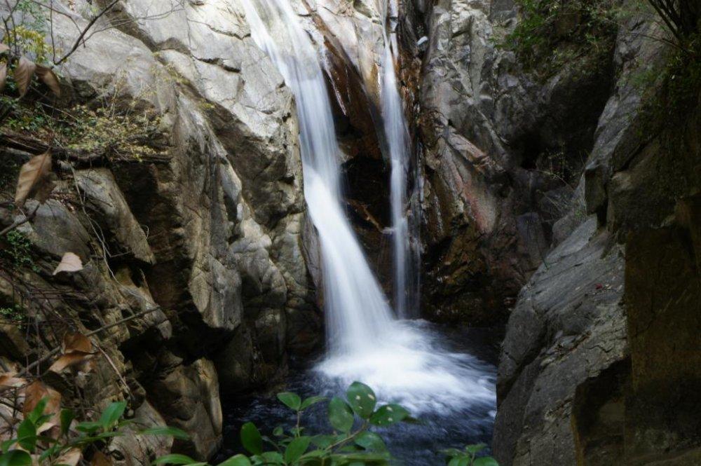 Mendaki Falls at Nunobiki