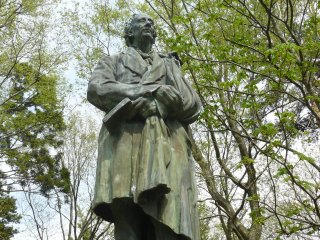 The statue of the great fairytale writer