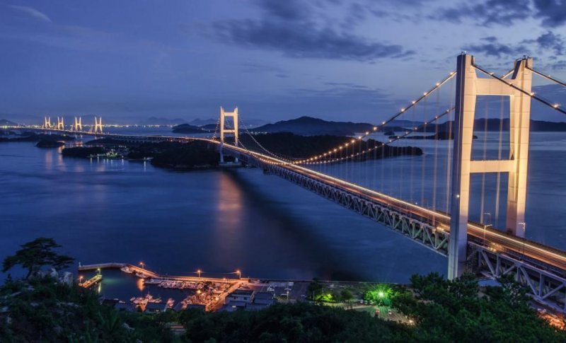 세토 오하시 다리는 매주 토요일 밤과 연중 특별한 날에는 라이트업