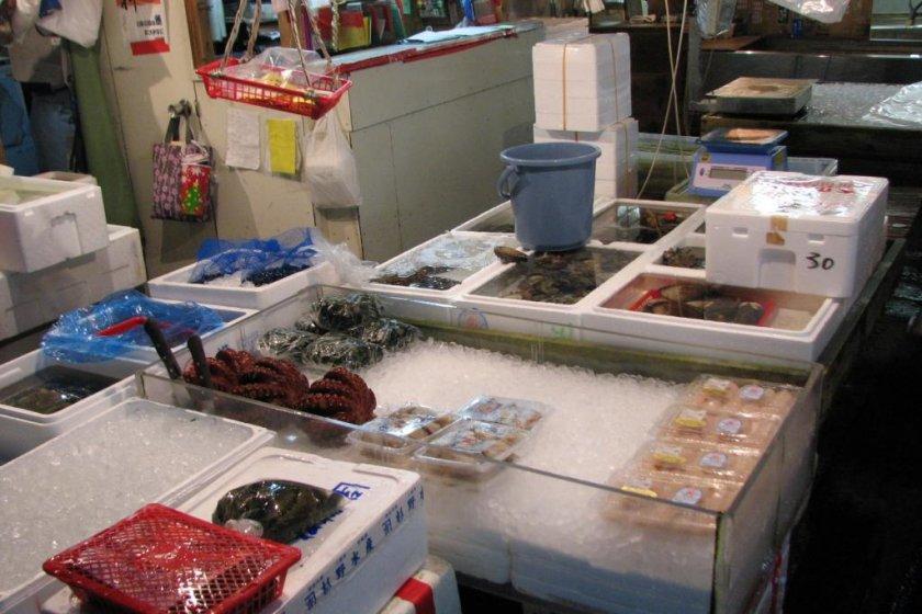 Tsukiji Central Wholesale Market [Closed] - Tokyo - Japan Travel