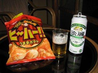 Вкусные чипсы и пиво